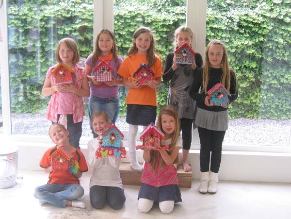 Kinderkamer Behang Vogelhuisjes : Vogelhuisje voor de kinderkamer ook mogelijk met lampje en of